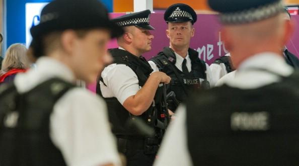 police-heathrow-airport-594x330